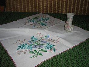 Úžitkový textil - vyšívaný obrus - 3293746
