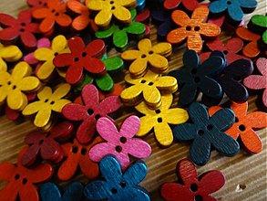 Galantéria - Drevené gombíčky kvetinky (balíček 20ks) - 3308898