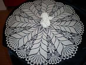 Úžitkový textil - Nádherný háčkovaný obrúsok - 3361287