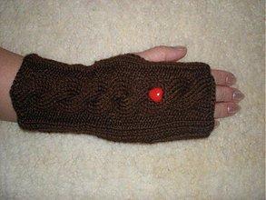 Rukavice - Ručne pletené rukavice so srdiečkom - 336393