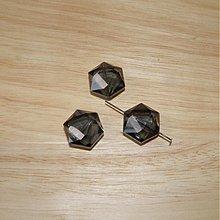 Korálky - 0335 Brúsený sklenený šesťuholník 21x18 mm, šedý, 1 ks - 340237