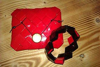 Peňaženky - Červená peňaženka so zlatým gombíkom - 3423196