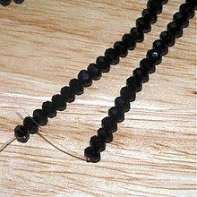 Korálky - 0342 Brúsené rondelky - čierne, 4x3 mm, 10 ks - 345395