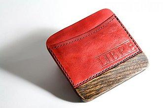 Peňaženky - Malá červená peněženka, kombinace dřevo - kůže - 3473682