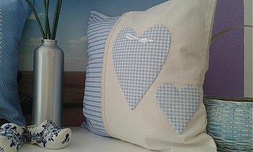 Úžitkový textil - vankúšik s motivom srdiečka  - 3529464