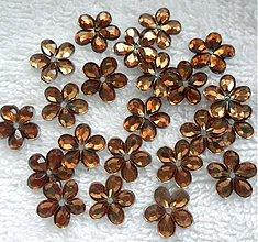 Galantéria - Kvetina našívacia 11mm-1ks (10-tm.béžová) - 3530013
