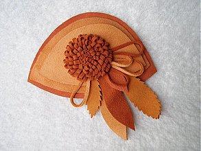 Odznaky/Brošne - Brošňa kožená, hrčka - 3554844