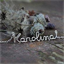Náhrdelníky - Náhrdelník s menom z postriebreného drôtu: 6-8 písmen (Karolina) - 3563232