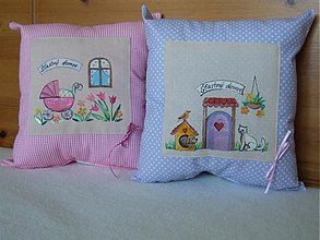 Úžitkový textil - ručne maľovaný vankúšik pre radosť - 3574531