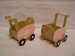 Hračky - Drevený kočík pre malú bábiku - 3575060