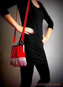 Kabelky - červená kabelka s čipkou - 3598976