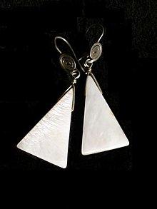 Náušnice - perleťové trojuholníky - 3639163