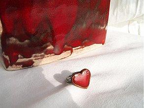"""Prstene - prsteň červený srdiečkový  """"zaláskovaný....."""" - 3643125"""