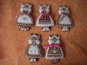 Dekorácie - medovníkové dievčence v kroji - 3644090