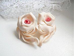 Náušnice - Visiace náušnice z polymérových hmôt, fimo (Biele-ružový stred) - 3679994