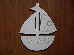Materiál ručne robený - Detská dekorácia z dreva - loďka - 3683472