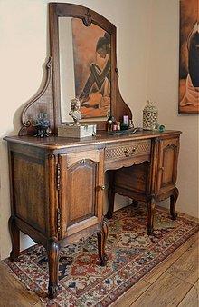 Nábytok - Toaletný stolík Chanel - 3689437