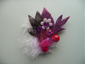 Odznaky/Brošne - Lila s pierkami by Hogo Fogo - 385301