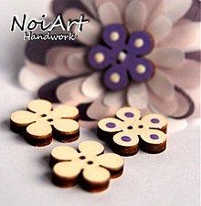 Materiál ručne robený - Drevený gombík kvetinka 2 cm - 682687