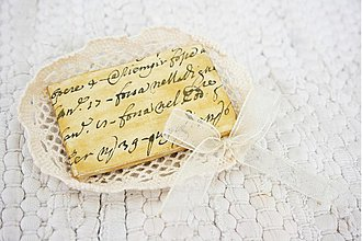 Odznaky/Brošne - pergamenová - 763190
