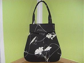 Veľké tašky - Béžový kvet v čiernom - 841723