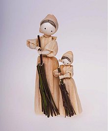 Dekorácie - Maminka s dcérkou a s metlami - 942573