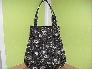 Veľké tašky - Béžové kvietky na čiernom 2 - 948666