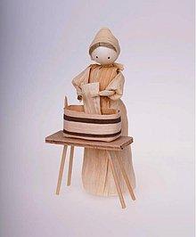 Dekorácie - Ženuška s vedrom na prádlo - 973396